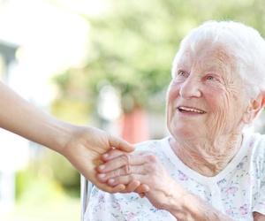 Asistencia a domicilio - Servicios a la tercera edad
