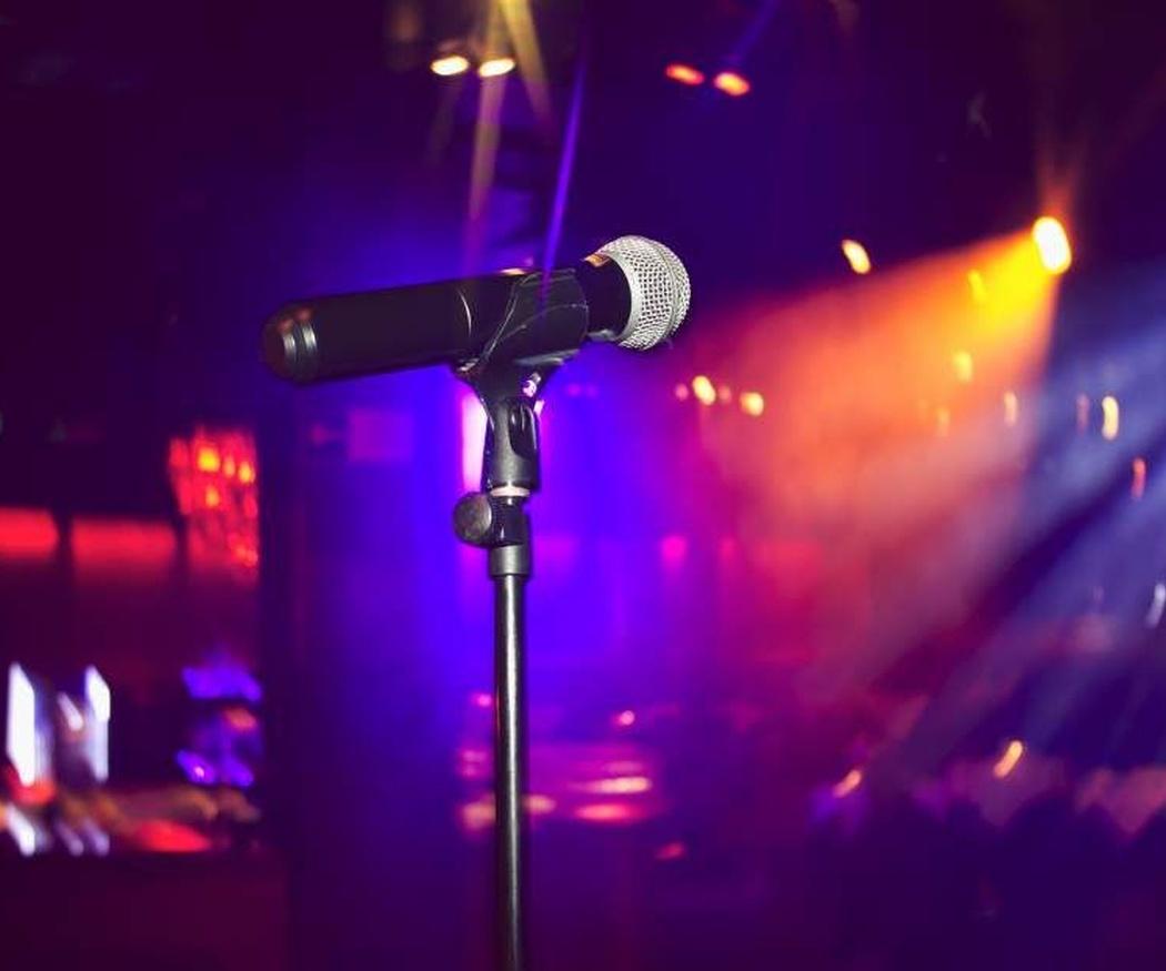 Canciones imprescindibles en un karaoke