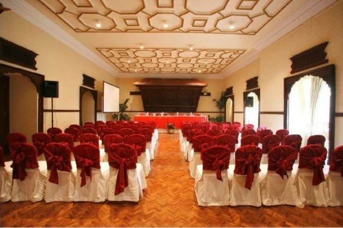 Montajes con sillas y mesas: Alquiler  of ACD Servicios y Alquileres