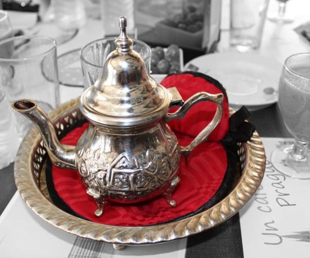 Descubre cómo es el auténtico té marroquí