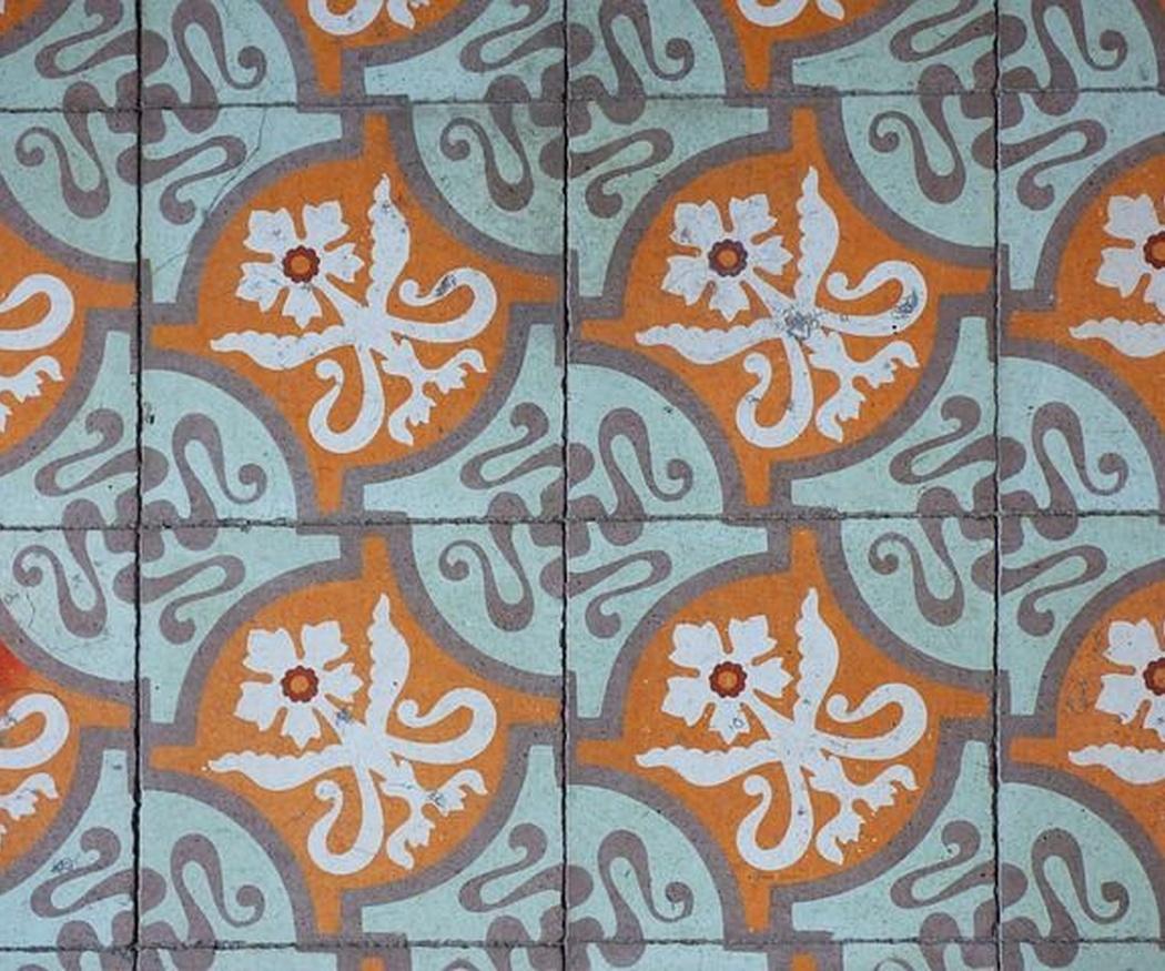 El mantenimiento y pulido del mosaico hidráulico