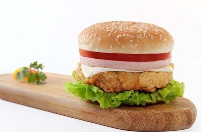 Hamburguesas, sándwiches y tostadas: Servicios de Cafetería Restaurante El Asturiano
