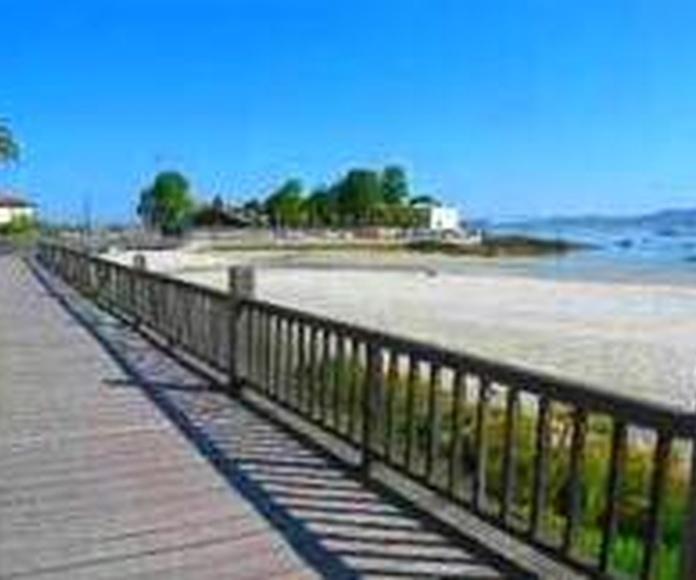 Hostal en la Playa de la Ladeira