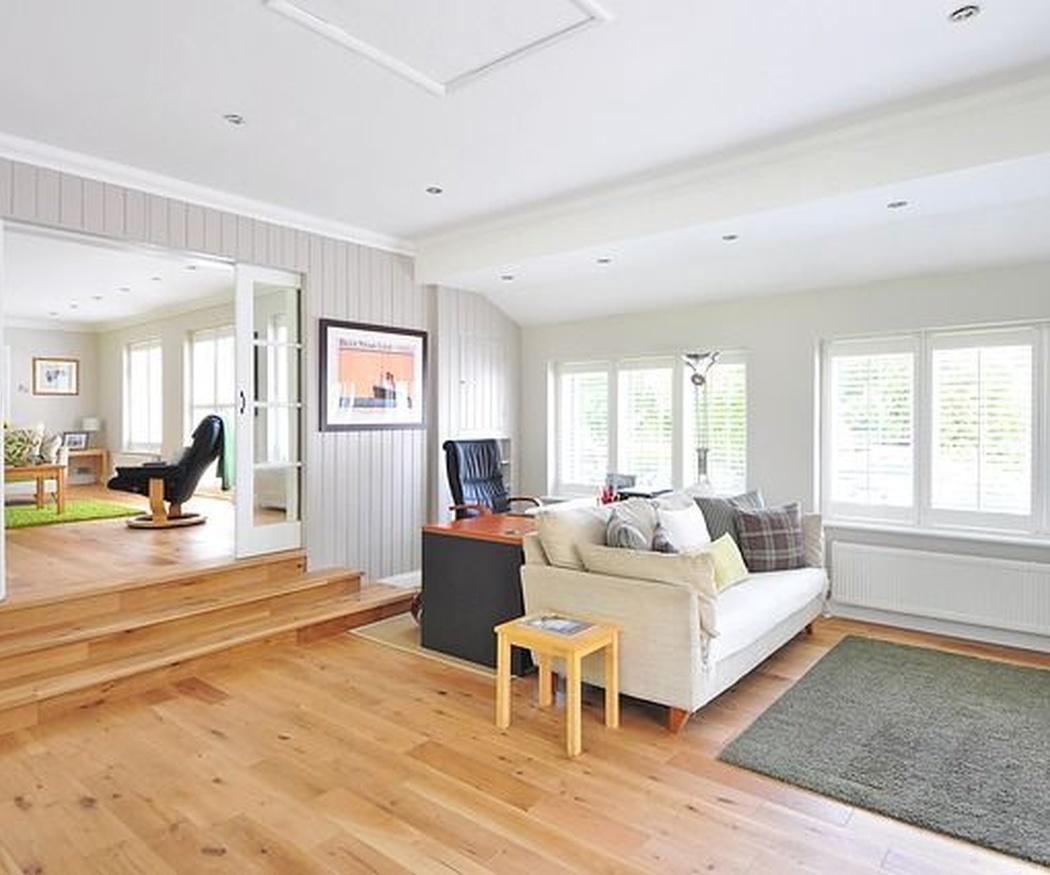 Aísla tu casa del frío con tarima o parquet