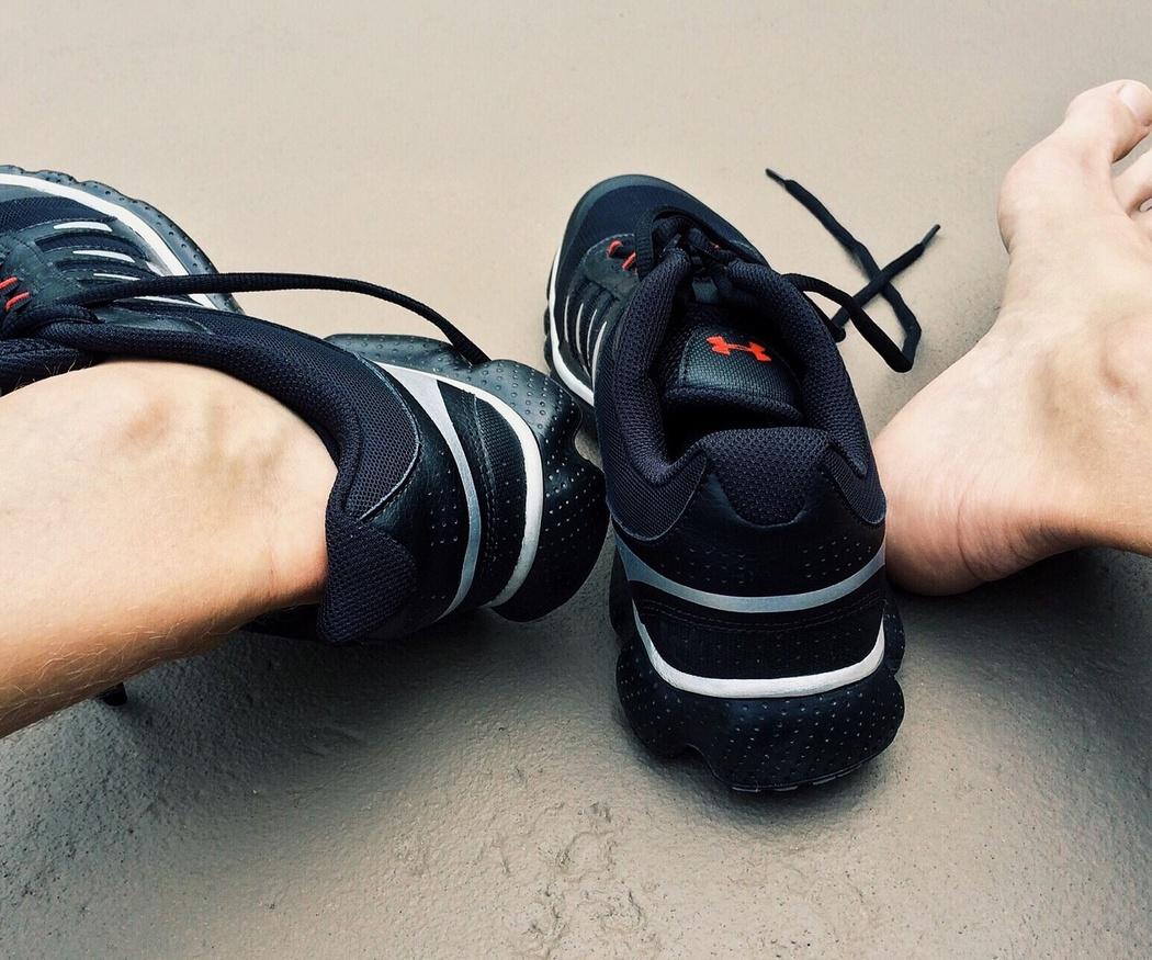Cuidado externo de los pies de un deportista