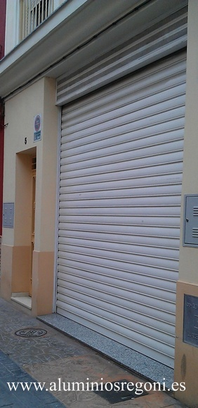 Puerta de garaje de alumimio
