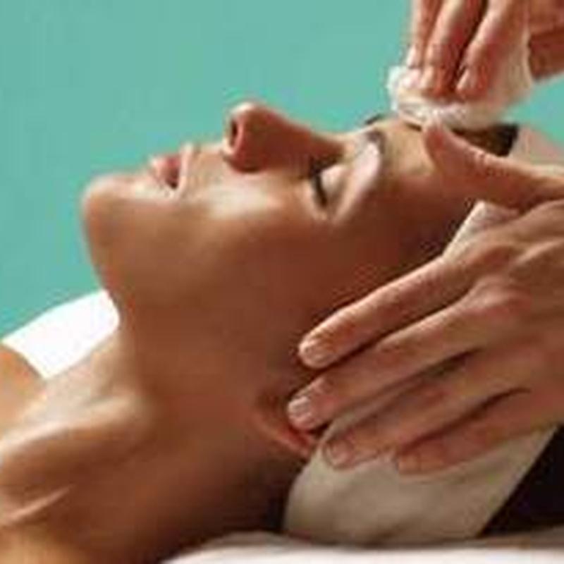 Dermapen. Rejuvenecimiento de la piel: Servicios de C. López