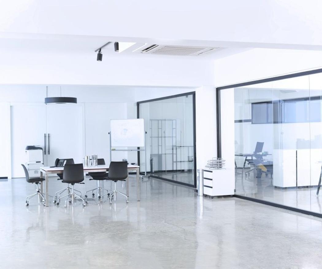 Cómo personalizar las mamparas de tu oficina