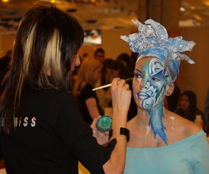 Alumna participando en Feria EyE