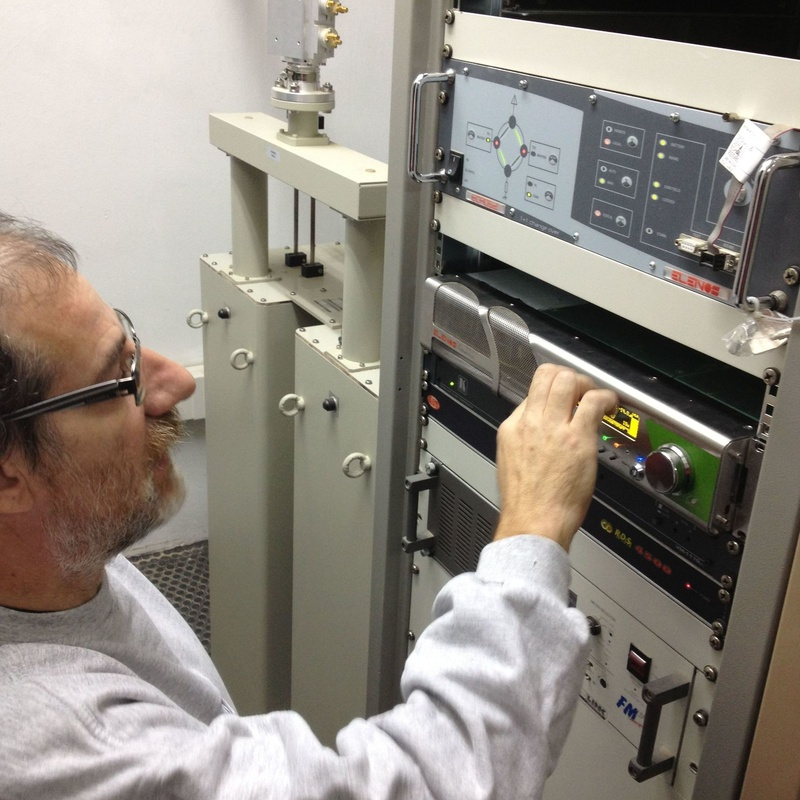 Emisoras FM: Servicios de Electrònica Serret