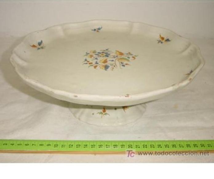 Fuente, frutero o sotocopas de Alcora: Catálogo de Antiga Compra-Venta