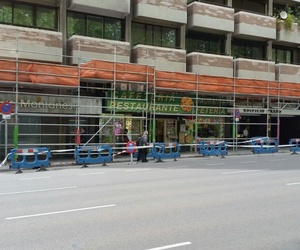 visera de proteccion de andamio con paso peatonal