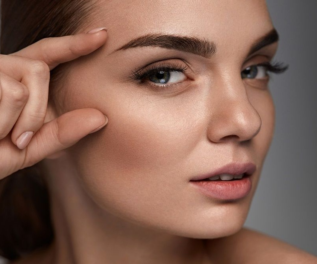 Los beneficios de depilarse las cejas