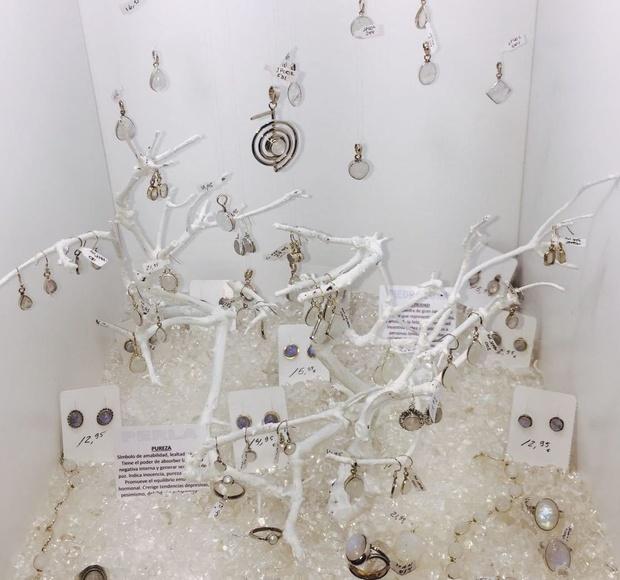 Piedra luna y perlas