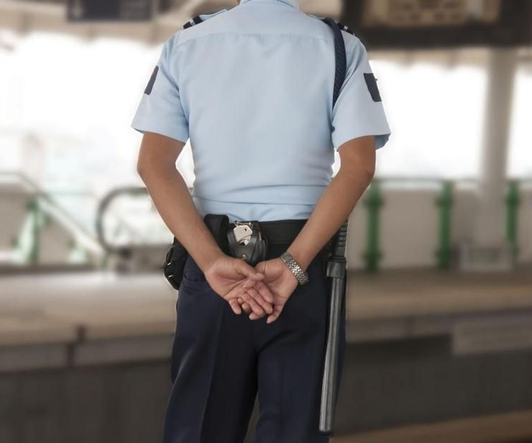 ¿Cuántos vigilantes necesito contratar?