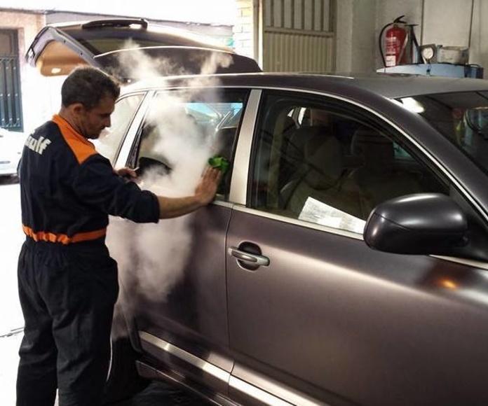 Lavado a mano exterior : Servicios de Talleres LGA