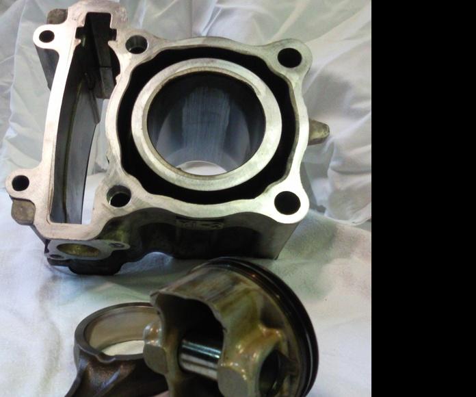 Piston y cilindro gripado, motor 4 tiempos