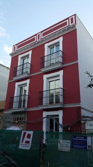 Finalizando obras en Calle Mosquera de Figueroa (Sevilla)