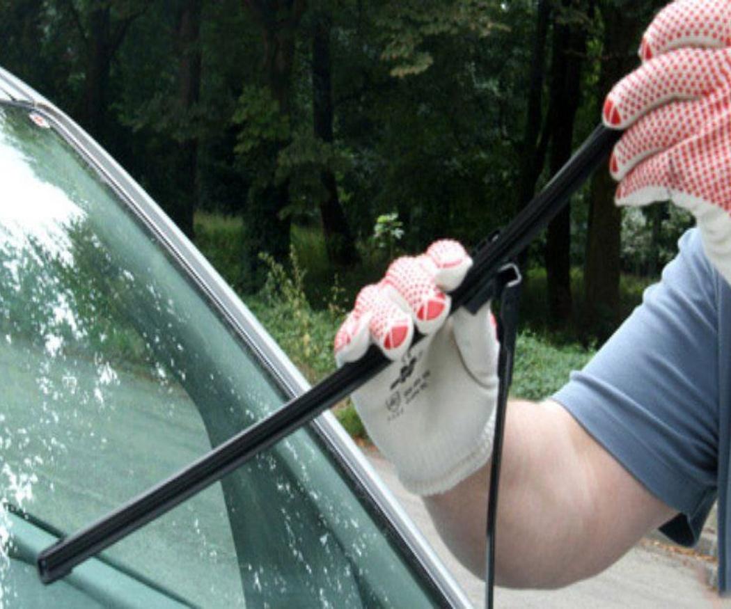 El cambio de las escobillas del coche