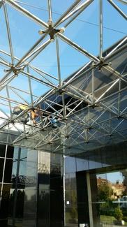 Limpieza de fachada acristalada