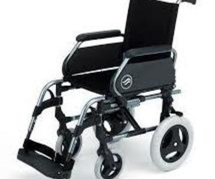 ¿Sabías que el SCS puede subvencionarte una silla de ruedas?
