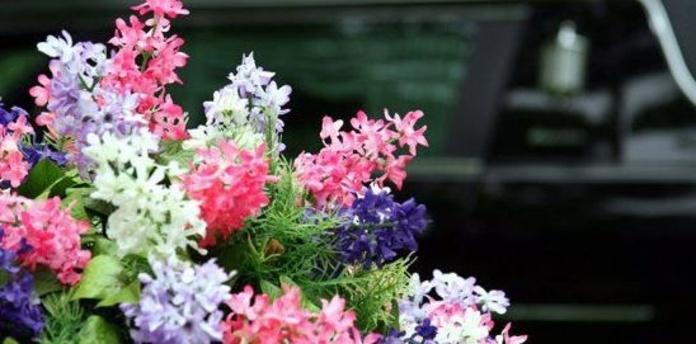 Detalles florales: Catálogo de Tanatorio Santo Hermano Pedro
