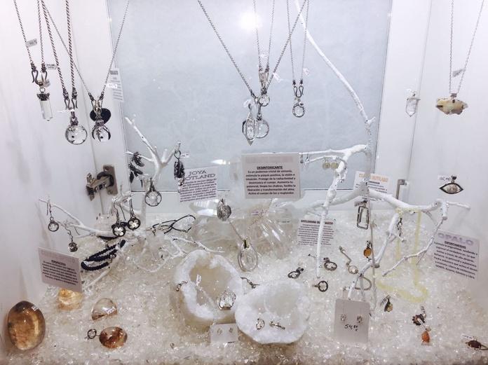 Cuarzo óptico, diamante, herkimer, ópalo, cuarzo rutilado y joya gotland