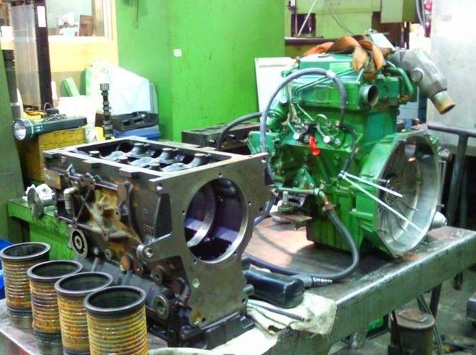 Motores completos: Productos y servicios de JUAN CHECA SOTO
