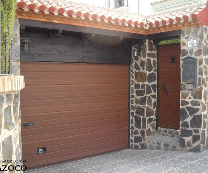 seccionales con puerta batiente