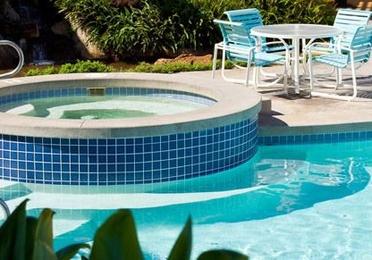 Limpieza y mantenimiento de piscinas