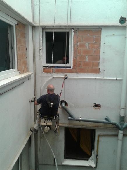 Trabajos verticales: Servicios de Construcciones Mira & Armero S.L