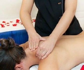 Manicura y pedicura spa: Tratamientos  de Ana Laguardia Fisioterapia y Estética