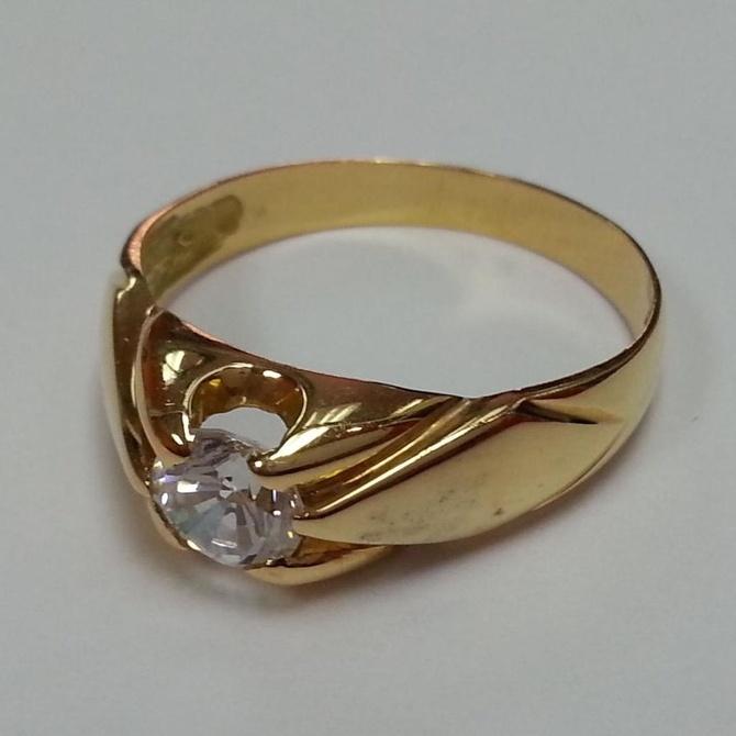 Cómo limpiar tus joyas de oro y plata