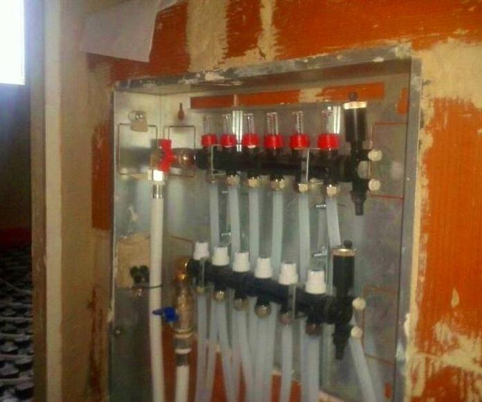 Instalacion suelo radiante chalet.: Trabajos realizados de REFORMAS, INSTALACIONES Y CONSTRUCCION ARAGON SLU