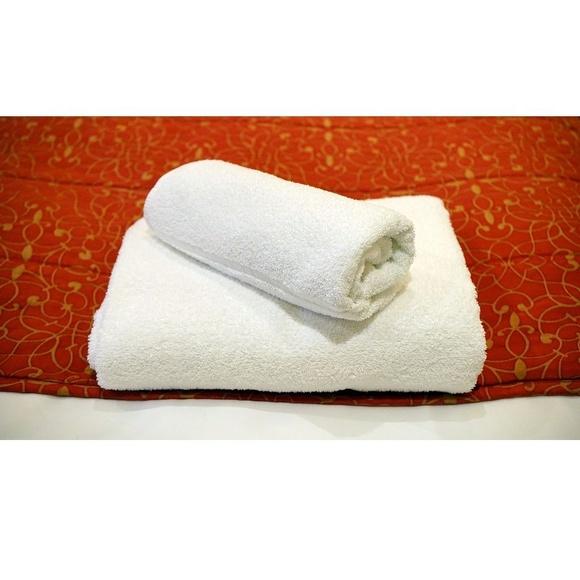Toallas, albornoces y ropa para hoteles.: Servicios de Bordado Industrial Arco Iris