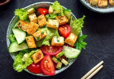 12.Ensalada de tofu