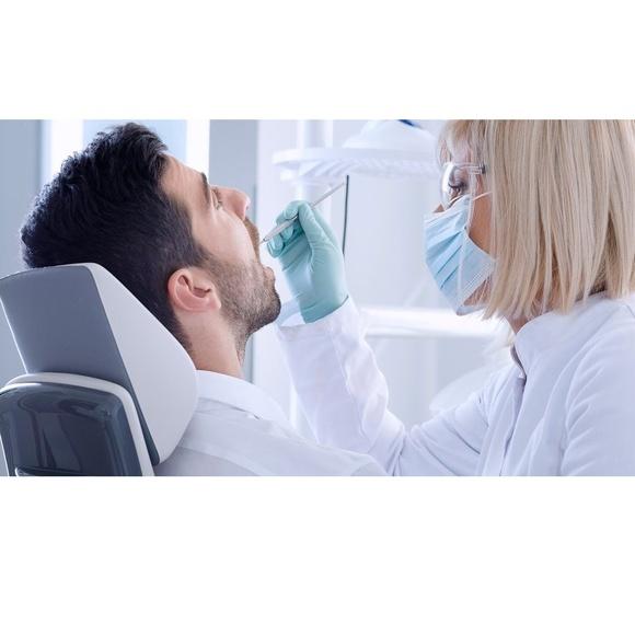 Periodoncia: Tratamientos dentales de Centro Dental Sant Fost