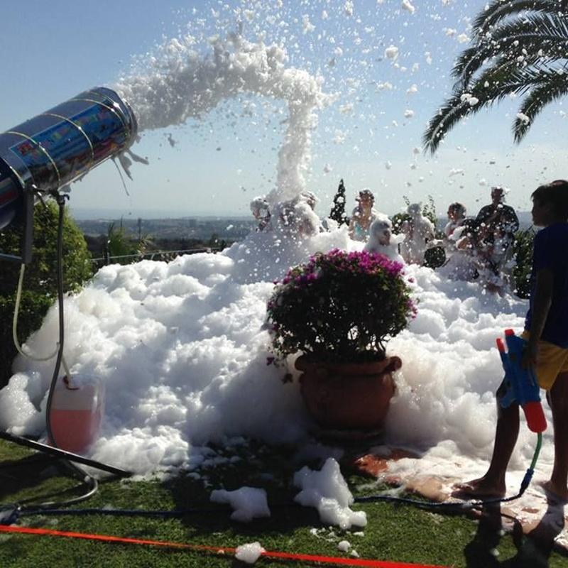 Fiesta de la Espuma: Catálogo de Hinchables Divertidos