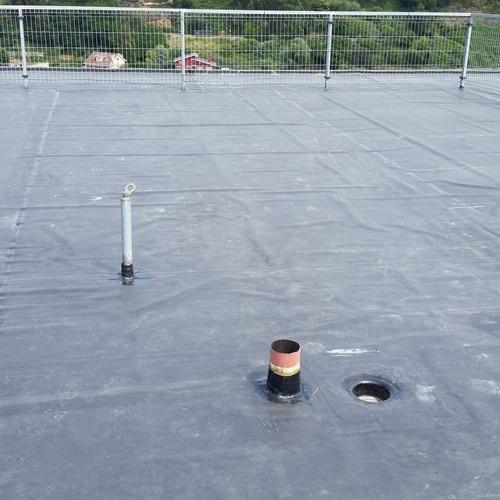 Impermeabilización de cubierta con lámina de E.P.D.M.