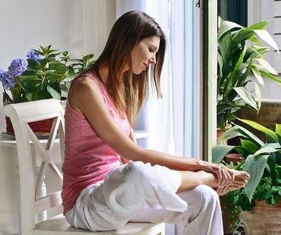 Auto masaje de pies (CUERPOMENTE)