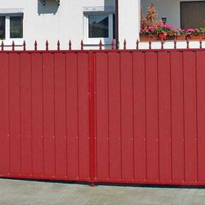 Diferencias entre puertas seccionales y basculantes