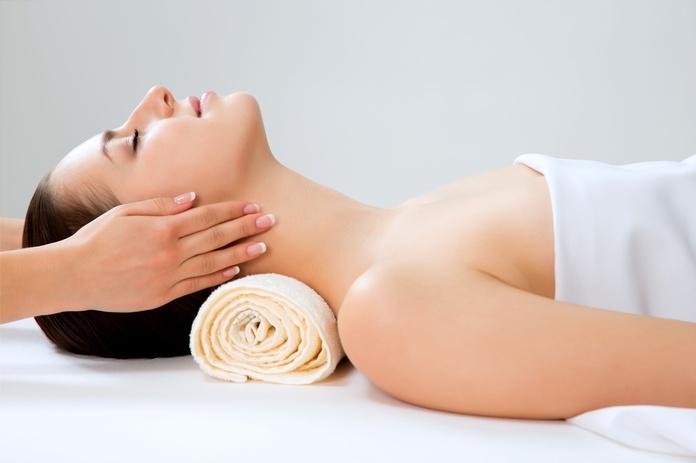 Masaje + terapia regenerativa: Servicios y Tratamientos de Vanesa Vendrell Estética