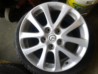 Viste tu coche con llantas de aluminio a precios muy asequibles.