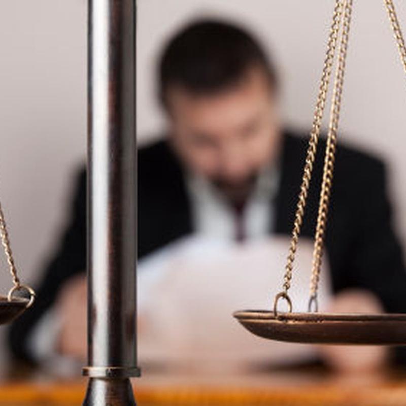 Derecho civil, de familia, sucesiones : Servicios de Ribera & Carretero, Asociados