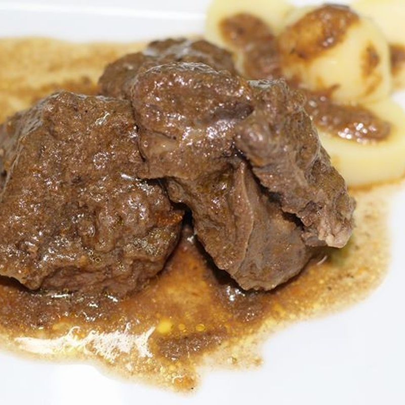 Carrillada en salsa: Nuestros productos  de Precocinados Mi Tierra