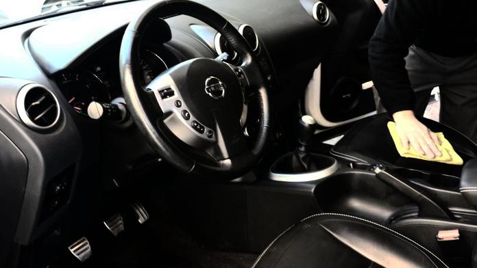 Limpieza de vehículos: Servicios de Taller Llisà - Taller Izacar