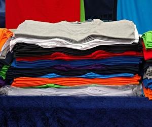 Ventajas de realizar camisetas personalizadas en tus eventos