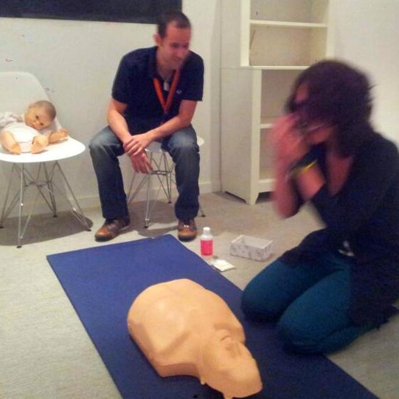 taller primeros auxilios en bebés y niños