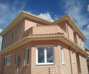 Instalación de canalones en Toledo | M. Del Monte Canalones