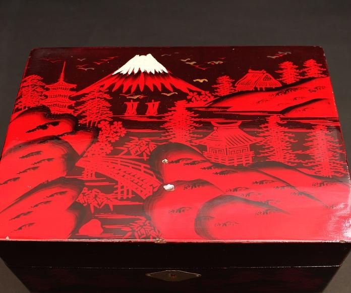 Joyero musical con motivos japoneses: Artículos  de Ruzafa Vintage